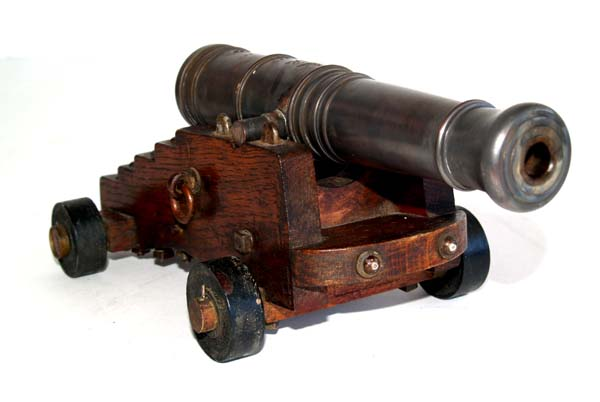 Anniversaires - Page 2 Ships-cannon